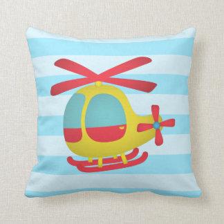 Gulligt och färgglatt helikopterför barnrum kudde