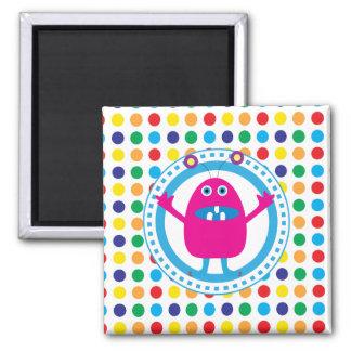 Gulligt rosa monster på polka dots magnet