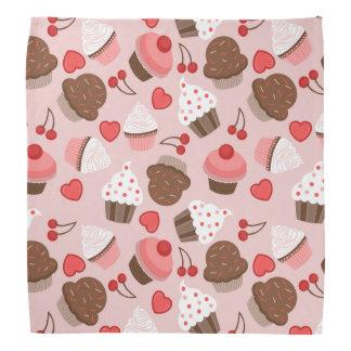 Gulligt rosa muffins-, hjärta- och körsbärmönster bandana