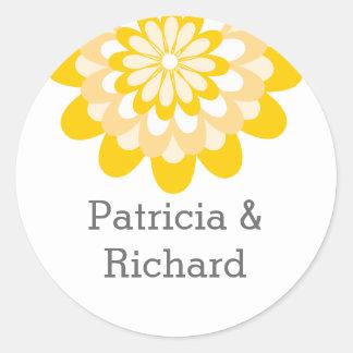 Gult blom- bröllop för personlig runt klistermärke