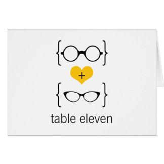 Gult Geeky exponeringsglasbordsnummerkort Hälsningskort