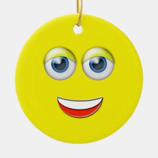 Gult lyckligt namn för ansikteEmoji anpassningsbar Rund Julgransprydnad I Keramik
