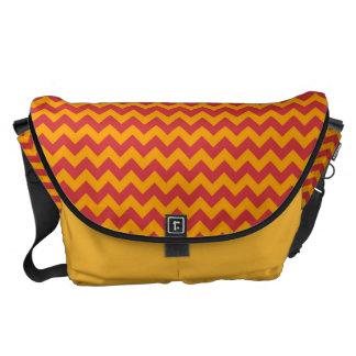 Gult och rött sparreZigzap mönster Messenger Bag