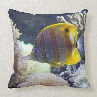gult- & vitSaltwaterCopperband Butterflyfish Kudde
