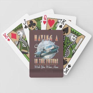 Ha en dyning Time i framtiden som leker kort Spelkort