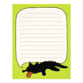Ha på sig ut gulaktig grönt för svart kattunge brevhuvud