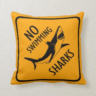 Hajar ingen simningvarning undertecknar dekorativ kudde