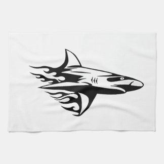 Hajen flammar in kökshandduk