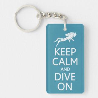Håll lugn & dyka på beställnings- färgnyckelring nyckelring