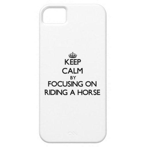 Håll lugn, genom att fokusera på att rida en häst iPhone 5 hud