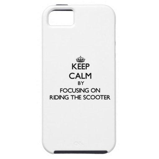 Håll lugn, genom att fokusera på att rida sparkcyk iPhone 5 Case-Mate fodraler