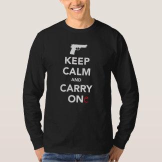Håll lugn och bär ett vapen t-shirt