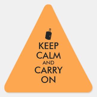 Håll lugn och bär reser på anpassningsbar triangelformat klistermärke