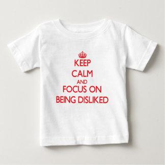 Håll lugn och fokusera på att ogillas t-shirts