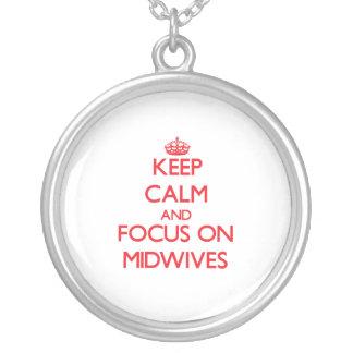 Håll lugn och fokusera på barnmorskor smycken