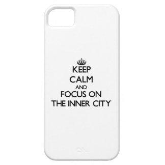 Håll lugn och fokusera på centra iPhone 5 cases