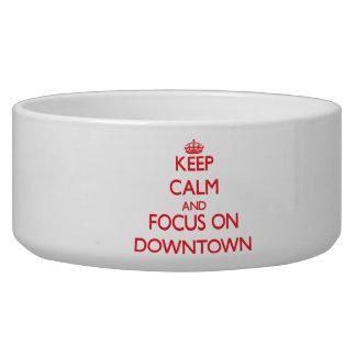 Håll lugn och fokusera på centra hundmatskål