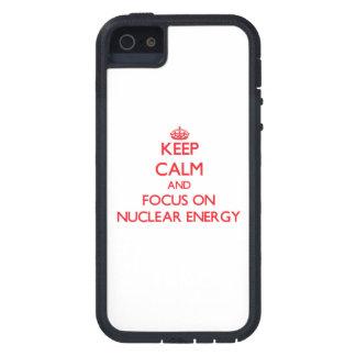 Håll lugn och fokusera på kärn- energi iPhone 5 hud