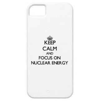 Håll lugn och fokusera på kärn- energi iPhone 5 Case-Mate fodral