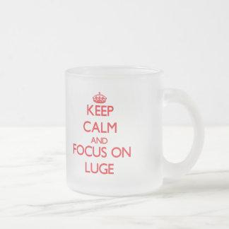 Håll lugn och fokusera på Luge Frostad Glasmugg