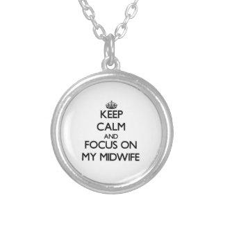 Håll lugn och fokusera på min barnmorska halsband