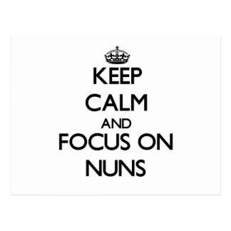 Håll lugn och fokusera på nunnor vykort