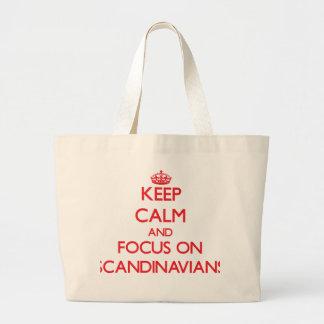 Håll lugn och fokusera på skandinav tote bag