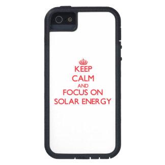 Håll lugn och fokusera på sol- energi iPhone 5 skydd
