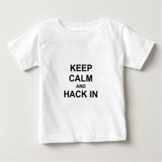 Håll lugn och hacka i gråttblåttsvart tröjor