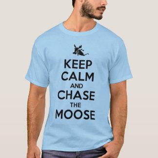 Håll lugn och jaga älgutslagsplatsskjortan tshirts