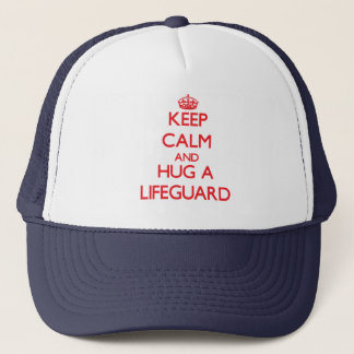 Håll lugn och krama en livräddare truckerkeps