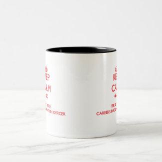 Håll lugn och lita på din information Offic om kar Kaffe Muggar