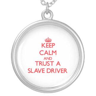 Håll lugn och lita på en slav- chaufför anpassningsbar halsband