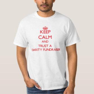 Håll lugn och lita på en välgörenhetFundraiser T-shirts