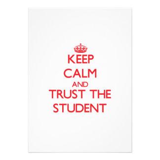 Håll lugn och lita på studenten unika inbjudningar
