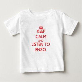 Håll lugn och lyssna till Enzo T Shirt