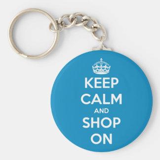 Håll lugn och shoppa ljusa blått rund nyckelring