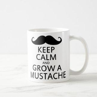 Håll lugn och väx en mustasch vit mugg