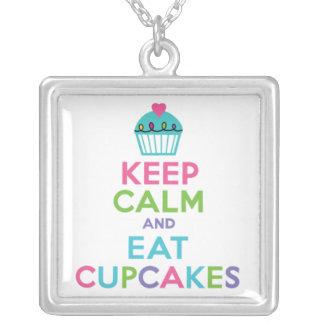Håll lugnat och äta muffins silverpläterat halsband