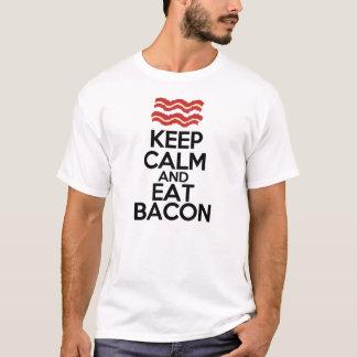 håll lugnat och äta rolig bacon t-shirt