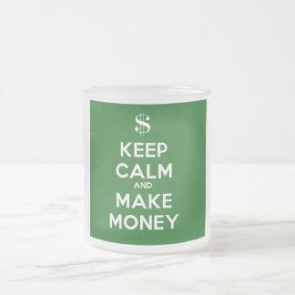Håll lugnat och gör pengar frostad glasmugg