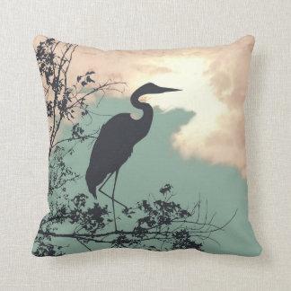Hålla ögonen på för fåglar för solnedgång för kudde