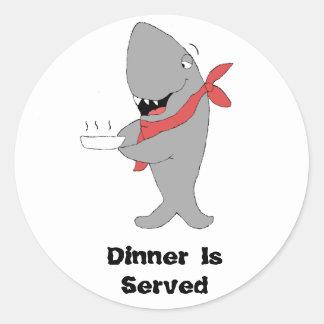 Hållande middag Pllate för tecknadhaj Runt Klistermärke