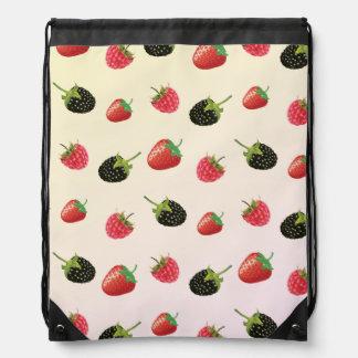 Hallon jordgubbe, björnbär: sommarfrukt gympapåse