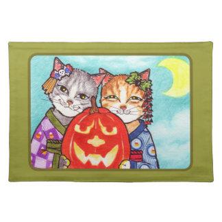 Halloween maskerar japanska katter med en noh pump bordstablett
