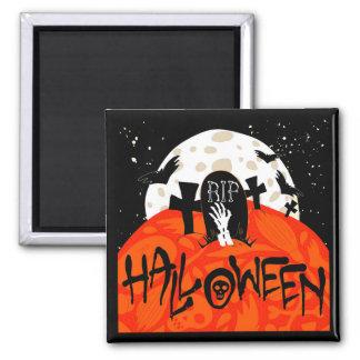 Halloween slår till den spöklika kyrkogården