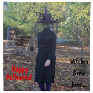 Halloween som ler häxan i skogen tygservett