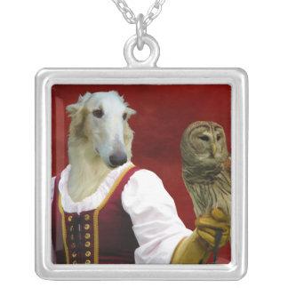 Halsband för Borzoidamuggla