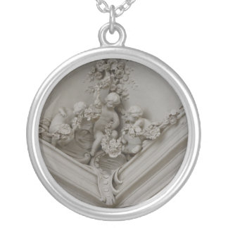 Halsband för tre änglar
