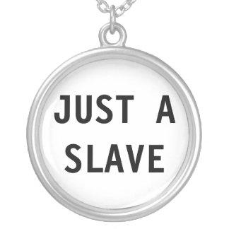 Halsband precis ett slav-